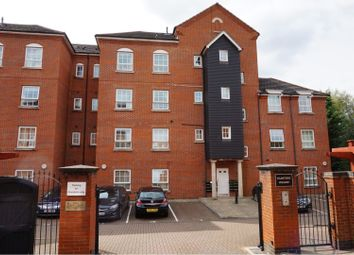 Thumbnail 2 bed flat to rent in Katesgrove Lane, Reading