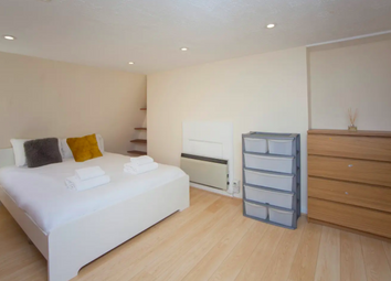 2 bed flat to rent in Oxford Row, Bath, Somerset BA1