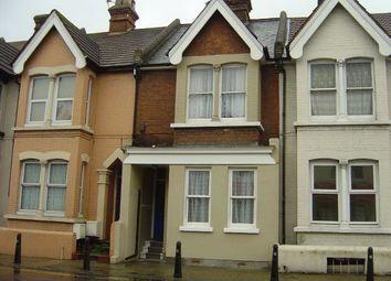 1 bed flat to rent in Balmoral Road, Gillingham, Kent ME7