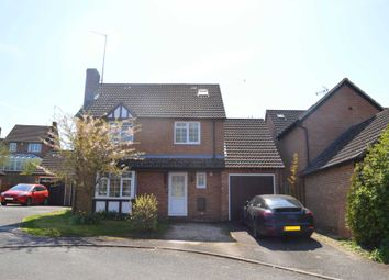 Thumbnail 5 bed detached house to rent in Cherry Grove, Hungerford