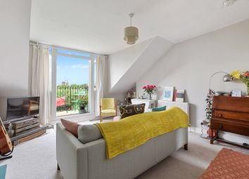 Thumbnail 1 bedroom flat for sale in Stapleton Hall Road, Stroud Green, London