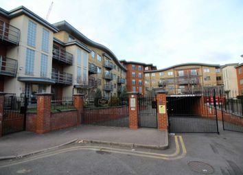 Thumbnail 1 bed flat to rent in Jubilee Square, Reading