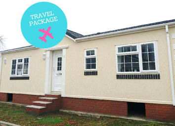 Thumbnail 2 bed mobile/park home for sale in Bayworth Park, Abingdon
