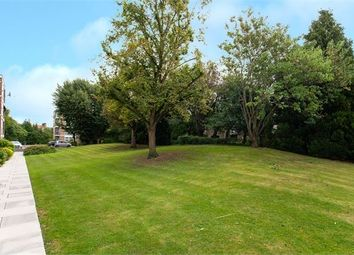 Highcliffe, Clivedon Court, Ealing, London. W13. Studio for sale