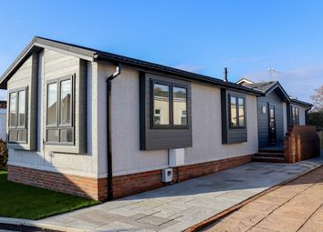2 bed mobile/park home for sale in Valdean Park, The Dean, Alresford, Hampshire SO24
