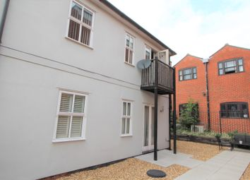 2 bed flat to rent in Rawstorn Road, Colchester CO3