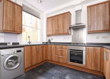 3 bed flat to rent in Chillerton Road, London SW17