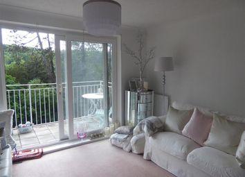 Court Bushes Road, Whyteleafe, Surrey CR3. 2 bed flat
