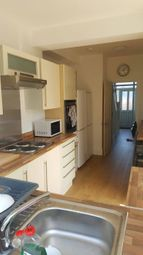 Thumbnail 4 bed shared accommodation to rent in Upper Rainham Road, London