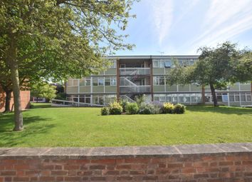 2 bed flat to rent in Kenilworth Court, Styvechale, Coventry CV3