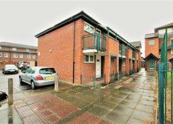 1 bed flat for sale in Tiptree Crescent, Ilford IG5