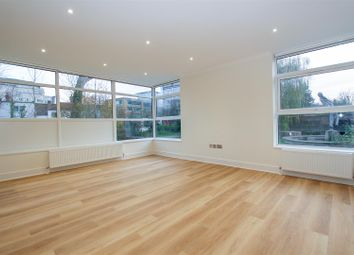2 bed flat to rent in Oxford Road, Denham, Uxbridge UB9