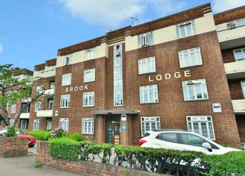 4 bed flat to rent in North Circular Road, London NW11