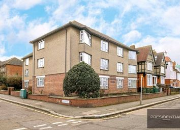 Thumbnail 2 bed flat for sale in Fairmead, Forest Avenue, Chingford