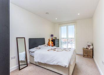 Hatton Road, Wembley HA0. 3 bed flat