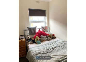 Thumbnail Room to rent in Cricklewood, London