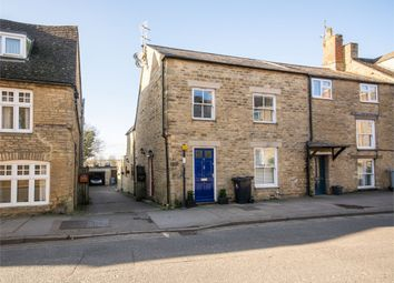 Thumbnail 2 bed flat for sale in West Street, Chipping Norton, Oxfordshire