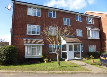 Thumbnail 2 bedroom flat to rent in High Street, Langley, Slough