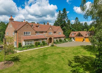 Thumbnail 5 bed flat to rent in Temples Close, Farnham