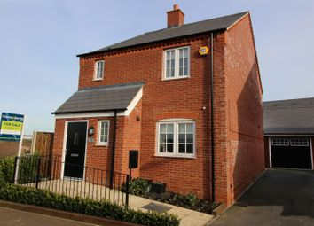 Thumbnail 3 bed detached house to rent in Auralia Close, Aylesbury