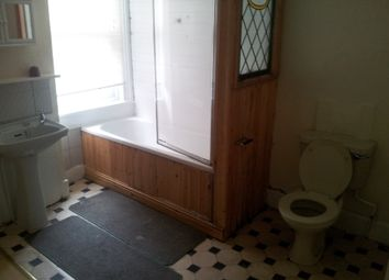 Thumbnail 2 bed flat to rent in Carlyle Road, Birmingham