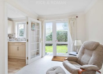 2 bed flat for sale in Station Road, Addlestone KT15