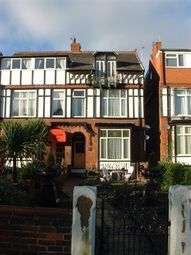 2 bed flat to rent in St. Annes Road East, St. Annes, Lytham St. Annes FY8