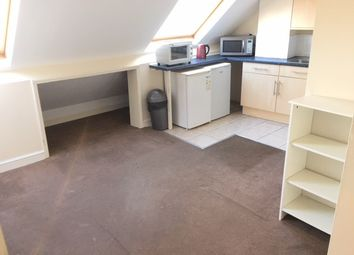 Thumbnail Studio to rent in Yeading Lane, Hayes, Middlesex