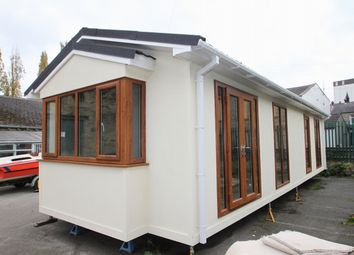 Thumbnail 2 bedroom mobile/park home for sale in Briggate, Brighouse