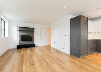 Thumbnail 2 bed flat for sale in Crescent House, Crescent Lane, Clapham, London