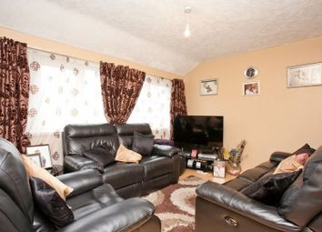 Thumbnail 2 bed flat to rent in Diss Street, Shoreditch, London
