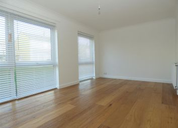 2 bed property to rent in Sandwich Close, Folkestone CT20
