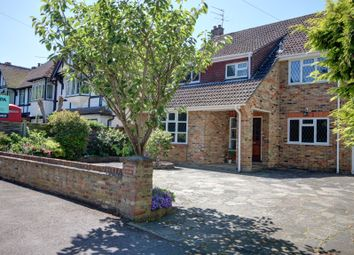 Thumbnail 6 bedroom detached house for sale in Westmorland Road, Maidenhead