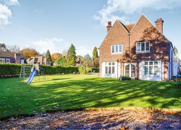 Thumbnail 6 bed detached house for sale in Chiltern Road, Amersham