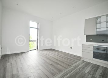 Thumbnail 2 bed flat to rent in Cambridge Crescent, Cambridge Heath, Bethnal Green, London