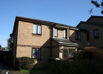 Thumbnail 2 bed flat to rent in Poets Chase, Aylesbury, Buckinghamshire
