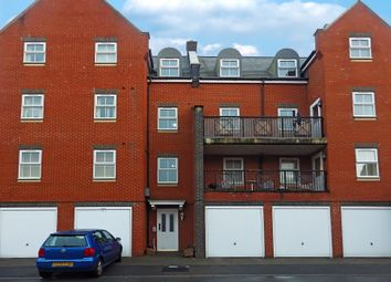 Thumbnail 2 bed flat to rent in Lynmouth Road, Swindon, Wilts