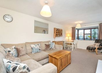 Thumbnail 2 bed flat to rent in Pages Hill, Muswell Hill