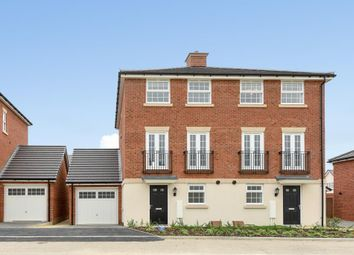 Thumbnail 3 bed town house to rent in Emmbrook Place, Wokingham