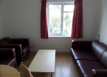 Thumbnail 1 bed flat to rent in Vincent Road, Hounslow