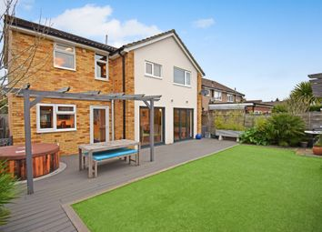 4 bed detached house for sale in Ashbourne Way, Thatcham RG19