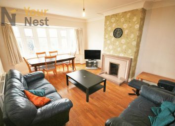 Thumbnail 6 bed flat to rent in Otley Road, Headingley