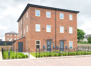 Thumbnail 2 bedroom town house for sale in Cardwell Road, Leeds, West Yorkshire