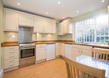 Thumbnail 2 bedroom flat to rent in Brynmaer Road, Battersea Park
