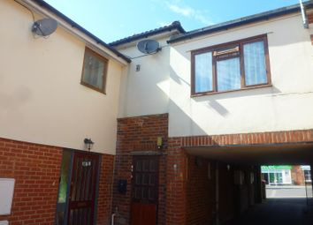 Thumbnail 1 bed flat to rent in The Curve, Waterlooville