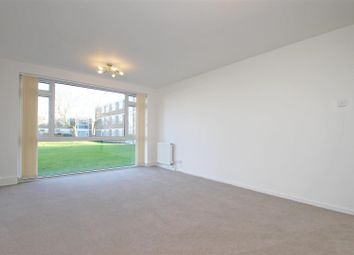 Thumbnail 2 bed flat to rent in Stratton Close, Edgware