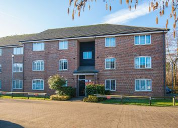 2 bed flat to rent in Waterside, Chesham HP5