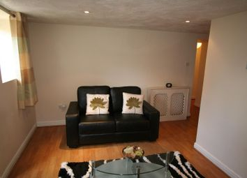 Thumbnail 1 bed flat to rent in Flat 1, 227 Hyde Park Road, Hyde Park