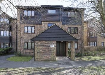 Thumbnail 1 bed flat to rent in Collingwood Place, Walton-On-Thames