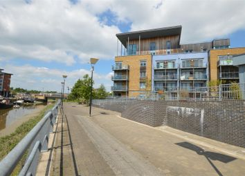 Thumbnail 1 bed flat for sale in Quayside Drive, Colchester